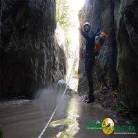 images/immagini/foto/canyoning/canyoning_roccagelli_02.jpg